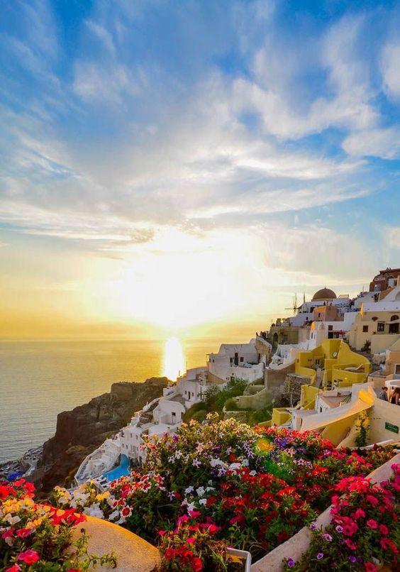 santorini-travel-guide