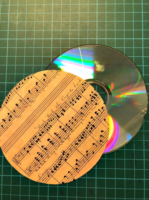 DIY Music CD Coasters Decoupage Project: How to reporpose old cds using decoupage technique and laser print paper | Ioanna's Notebook