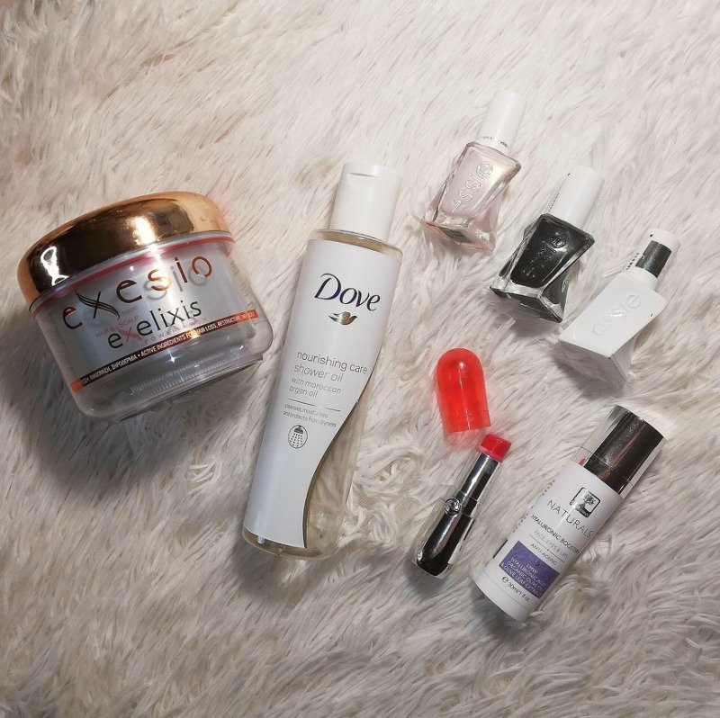 2018 Favorite Beauty Products: Everything beauty related that the Ioanna's Notebook Team loved | Ioanna's Notebook