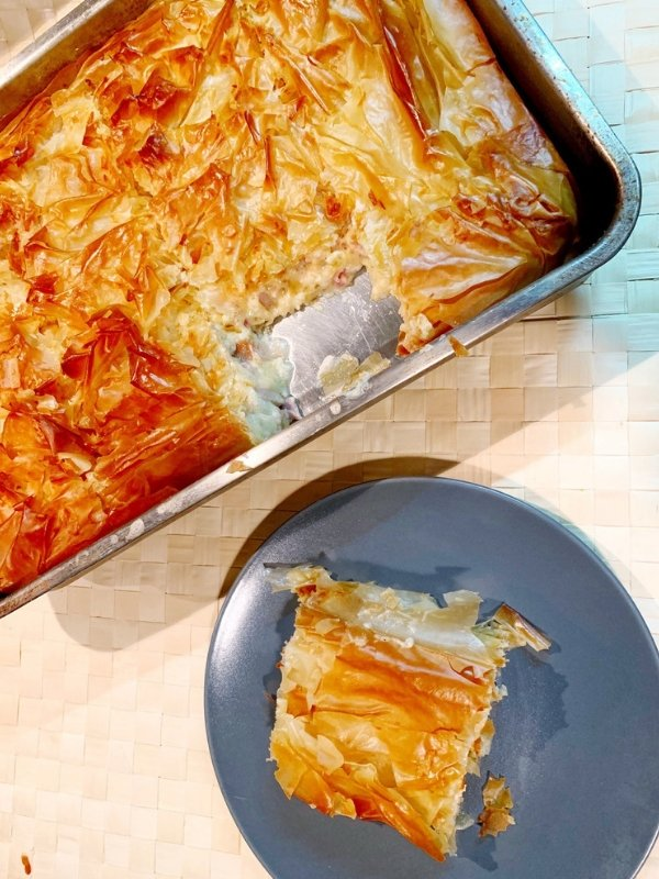 Ham-cheese-pie-with-bechamel-sauce-filling