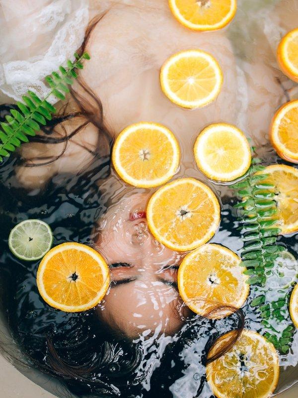 It's body detox time! Υποδεχόμαστε την Άνοιξη με αποτοξίνωση στο σώμα μας, σβήνοντας τα σημάδια που άφησε ο Χειμώνας πάνω μας  Ioanna's Notebook #beauty #body #detox #bodydetox #beautytips #bodycare