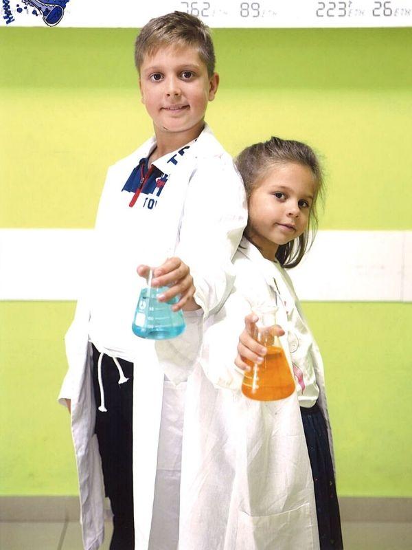 Συνδυάζοντας αρμονικά την γνώση με την διασκέδαση με μοναδικά εργαστήρια, το Μουσείο Πειραμάτων υποδέχεται τους μικρούς επιστήμονες για ξεχωριστές Κυριακές.