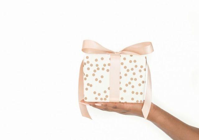 Επειδή ξέρω πόσο αγχωτικά μπορεί να είναι τα δώρα της τελευταίας στιγμής, δείτε εδώ όλα τα δώρα που έχουμε αγοράσει έως σήμερα. Ελπίζω να βρείτε την έμπνευση για τα φετινά δώρα προς τα αγαπημένα σας πρόσωπα.