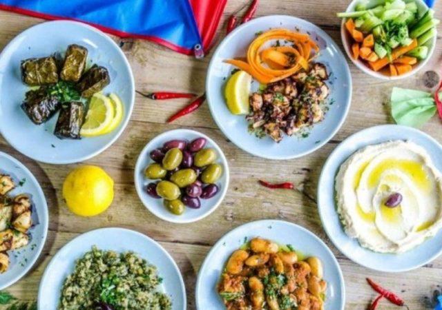 Το υγιεινό τραπέζι της Καθαράς Δευτέρας - Εκμεταλλευθείτε τα super foods που σας προσφέρει η Καθαρά Δευτέρα και κάντε την αρχή για μια πιο υγιεινή διατροφή.