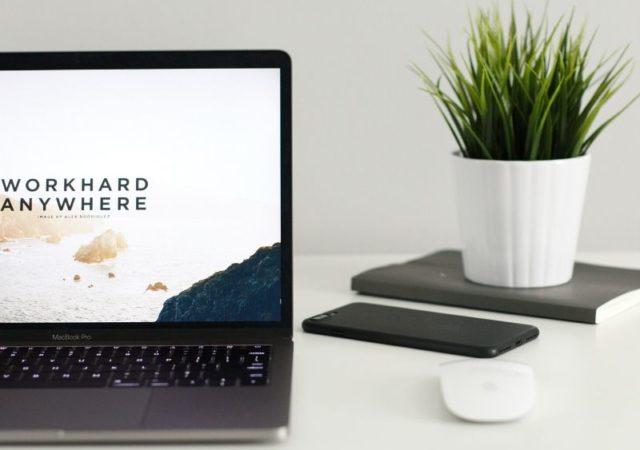 Πρακτικές συμβουλές για αποτελεσματική εργασία από το σπίτι. Τι να προσέξετε και πως να διαχειριστείτε τον χρόνο και τον χώρο σας.