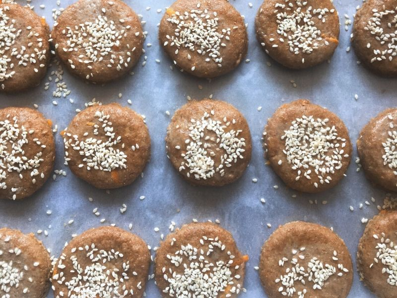 Νηστίσιμα κουλουράκια με ταχίνι - Μια εύκολη συνταγή που αποδεικνύει ότι τα νηστίσιμα γλυκά μπορεί να είναι και πεντανόστιμα και υγιεινά.