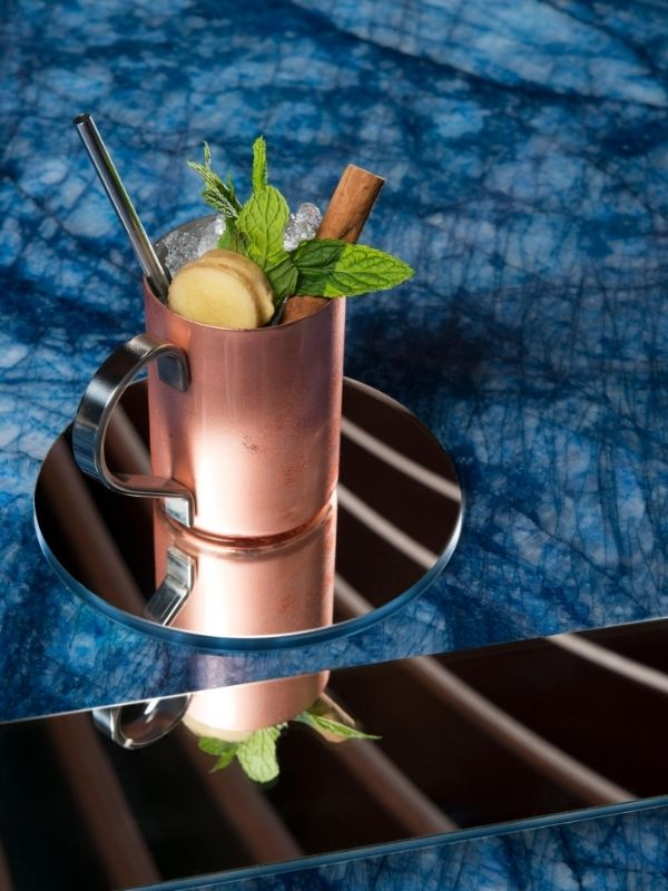 Το UMI Bar είναι ένα αυτόνομο brand που συγκαταλέγεται ανάμεσα στα καλύτερα της Ευρώπης, ιδανικό να φιλοξενήσει τους πιο απαιτητικούς λάτρεις της τέχνης του mixology.