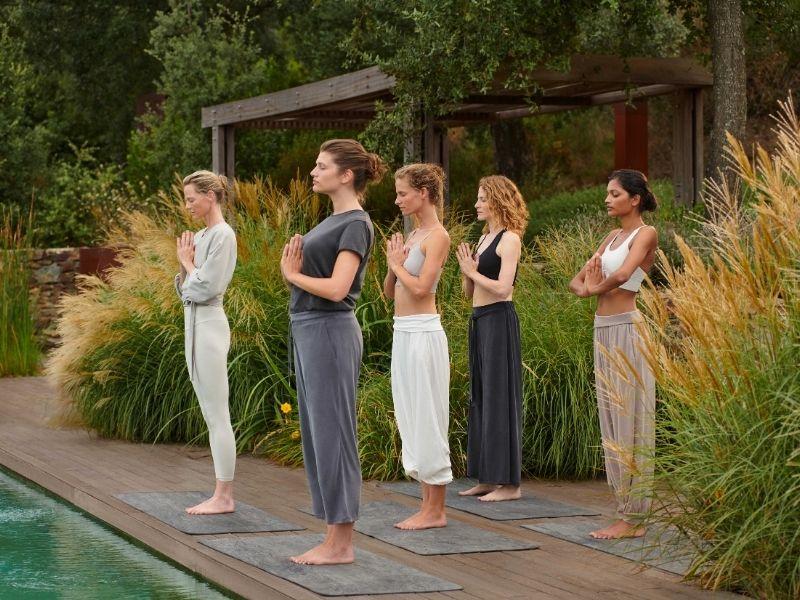 Η Oysho Yoga & Meditation Collection είναι η πρώτη κολεξιόν της Oysho που σχεδιάστηκε για την Yoga και τον διαλογισμό, αποτελούμενη από άνετα κομμάτια.