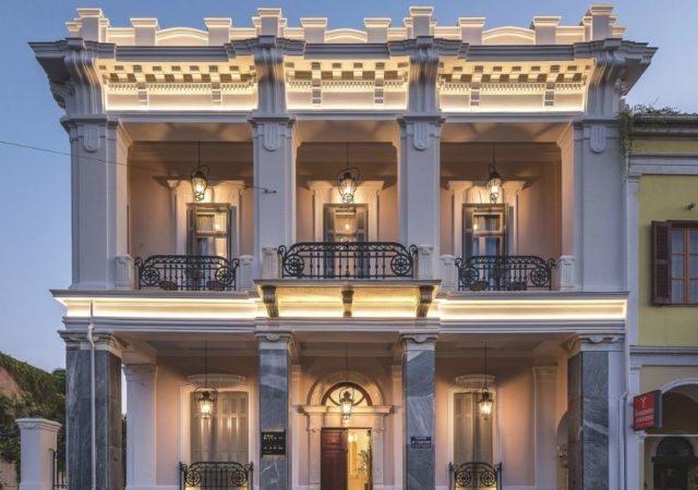 Ένα υπέροχο διατηρητέο κτίριο στην πόλη της Πάτρας, μετατράπηκε σε ένα εντυπωσιακό boutique ξενοδοχείο 5 Αστέρων, το THE BOLD TYPE HOTEL.