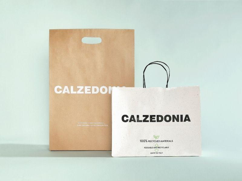 Η Calzedonia για το περιβάλλον - Το brand από τη Βερόνα έχει υλοποιήσει πολιτικές με στόχο να μειώσει το ποσοστό πλαστικού που υπάρχει.