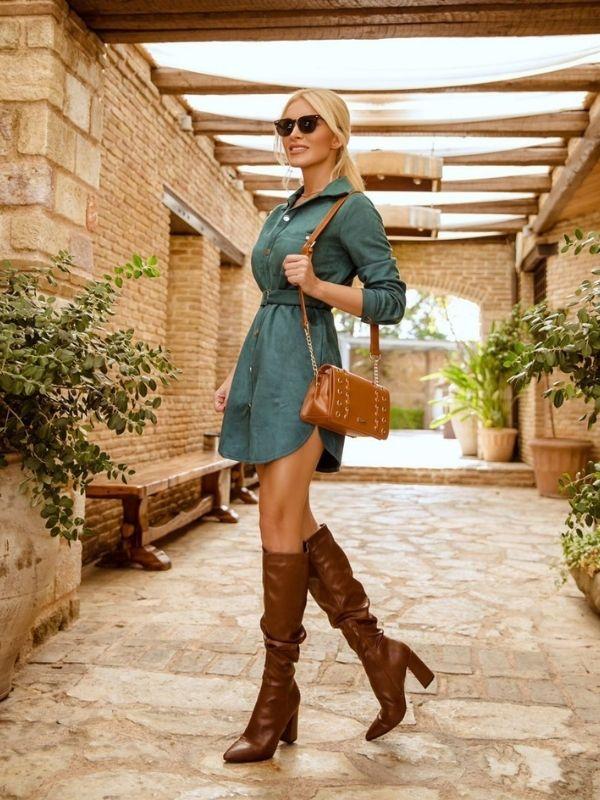 Get the Look: Autumn Blues από την Κατερίνα Καινούριου με ένα Doca hot φθινοπωρινό χρωματικό συνδυασμό για τις εξόδους που θα φορεθεί πολύ.