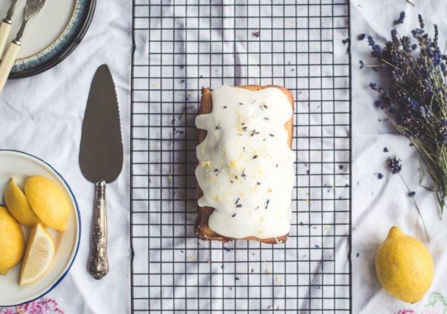 5+1 μυστικά για πετυχημένα κέικ πάντα, χωρίς φυσικά να ξεχνάμε ότι το σημαντικότερο είναι η ακρίβεια στα υλικά.