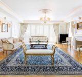 Ονειρική διαμονή και μεγαλοπρεπής πολυτέλεια στην εμβληματική Penthouse suite του King George με μοναδική θέα στην Ακρόπολη.