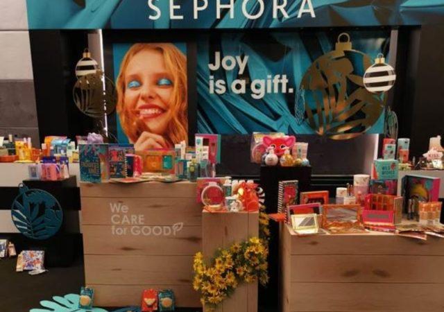 "Sephora ""Joy is a gift"" Digital Xmas Press Event - Live παρουσίαση των νέων προϊόντων στον χώρο του μακιγιάζ, καθώς και των νέων τάσεων που αφορούν την περιποίηση και φροντίδα του προσώπου."
