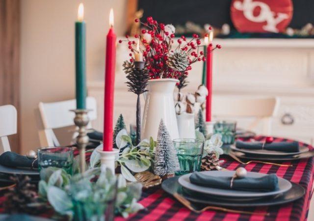 Φέτος το πιο νόστιμο γιορτινό τραπέζι έρχεται στο σπίτι σας! Εσείς στρώστε το τραπέζι και αφήστε τα υπόλοιπα στο IAM Gourmet Catering!