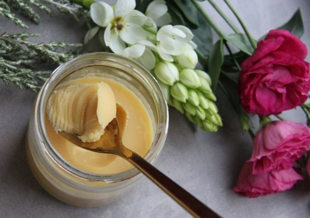 9+1 συνταγές για σπιτικά καλλυντικά. Εύκολες και απλές συνταγές για να φτιάξετε τα δικά σας φυσικά καλλυντικά.