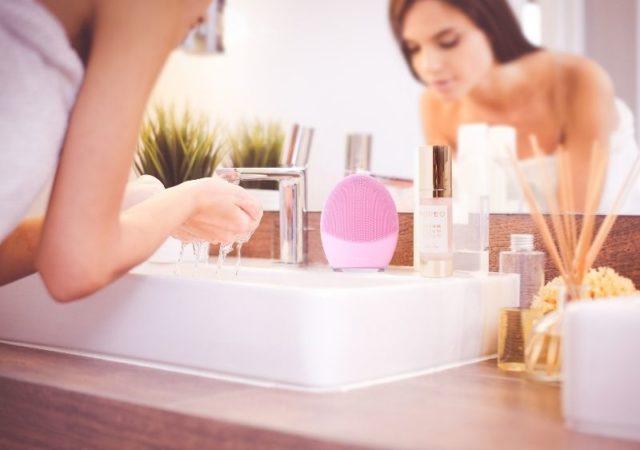Η FOREO, η Σουηδική εταιρεία τεχνολογίας και ομορφιάς αποτυπώνει τις πιο σημαντικές τάσεις ομορφιάς και παρουσιάζει τα 2021 Beauty Trends.