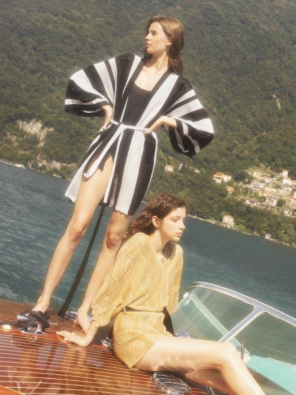 Swimwear, cover-ups, καφτάνια, φορέματα και ολόσωμες φόρμες συνθέτουν τη νέα συλλογή του brand SANGUEL για την Άνοιξη/Καλοκαίρι 2022.