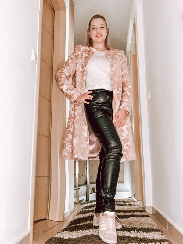 Annabelle Moda - 1 coat, 4 ways για στιγμές γεμάτες στυλ, όποια και αν είναι η περίσταση γιατί κανένα ρούχο δεν πρέπει να μένει στην ντουλάπα.
