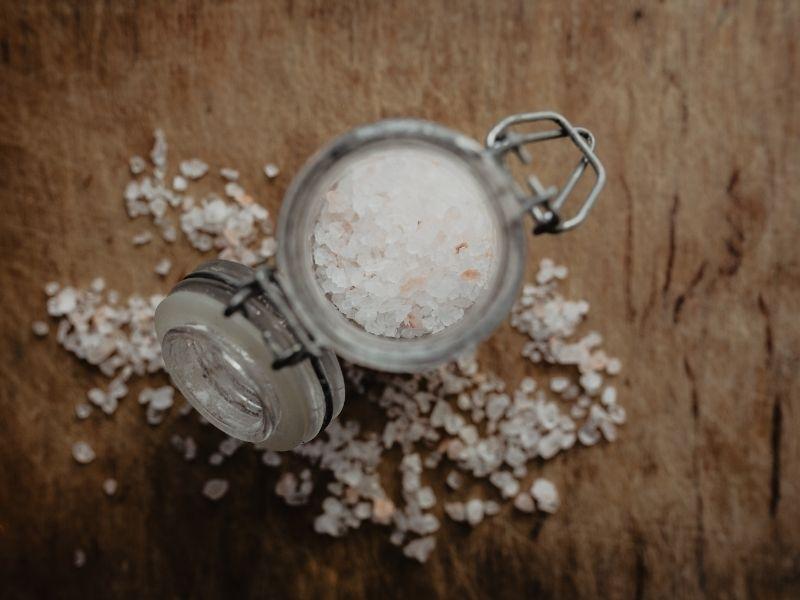 9+1 Υποκατάστατα του αλατιού που μπορούν να μας βοηθήσουν ώστε να περιορίσουμε το αλάτι στη διατροφή μας χωρίς να χάσουμε τη νοστιμιά.