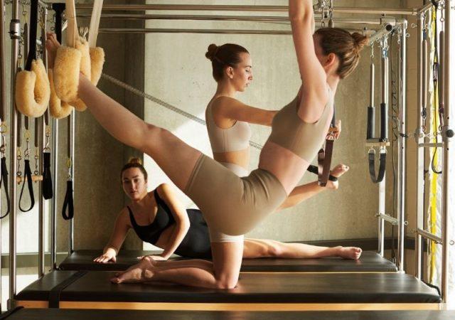 Η νέα κολεξιόν Light Touch της Oysho έχει σχεδιαστεί για την εξάσκηση αθλημάτων μέτριας έντασης όπως το Pilates.