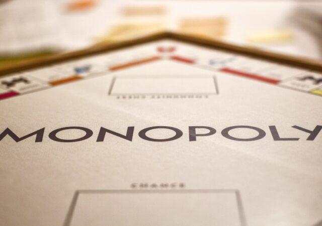 Ο Mr. Monopoly ανανεώνει τις Κάρτες Απόφασης – και εσύ μπορείς να τον βοηθήσεις! Ως αντάλλαγμα θα στηρίξει το Χαμόγελο του Παιδιού!