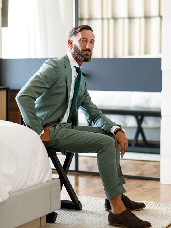 Ο Χάρης Ντάβλας παρουσιάζει την πρώτη ολοκληρωμένη Spring/Summer 2021 Ready-To-Wear συλλογή του Harris Davlas Exclusively for Vardas.