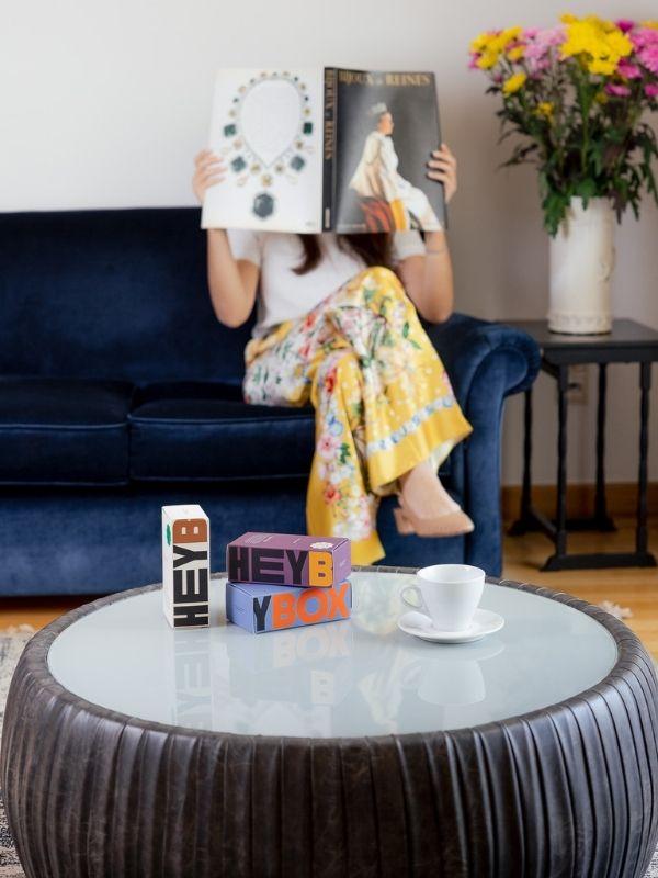 Το HeyBox Coffee είναι το πρώτο συνδρομητικό κουτί καφέ που κάθε μήνα μας προσφέρει μια μοναδική γευστική εμπειρία με σπάνια blends καφέ!