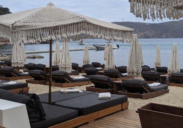 Premium εμπειρίες με ασφάλεια στο Principote beach club, το Πριγκιπάτο της Μυκόνου. Στην προστατευμένη από τα μελτέμια παραλία του Πανόρμου.