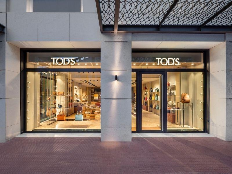 Ο οίκος Tod's σε συνεργασία με τον Όμιλο Fais, γιορτάζουν το άνοιγμα Nέα Boutique TOD'S στο κέντρο Αθήνας.