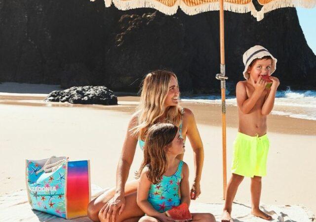 Οι πιο fun και fashionable τάσεις του καλοκαιριού για matchy εμφανίσεις με τις Mini-Me Swimwear Collections από τα Calzedonia και Tezenis.