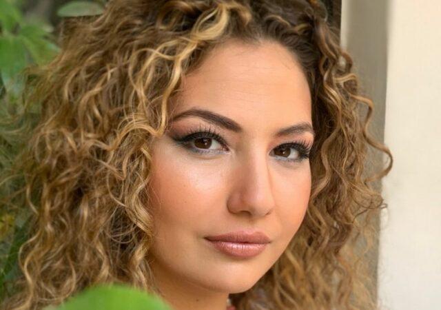 Δροσερά καλοκαιρινά makeup looks από την makeup artist Καίτη Τομαζίνου. Eλαφρύ, φρέσκο και φωτεινό μακιγιάζ για όλες τις ώρες.