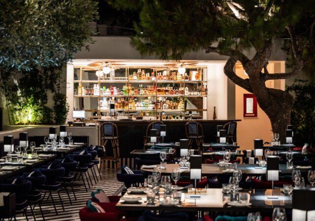 |Έχοντας ως αφετηρία την επιτυχία και την εμπειρία των 8 χρόνων του εστιατορίου στο Μιλάνο, το Ceresio7 φτάνει φέτος το καλοκαίρι στη Μύκονο.