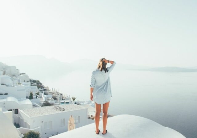 Summer Vacation Capsule Wardrobe - Ένας χρήσιμος οδηγός για το πως θα συνδυάσετε 20 κομμάτια σε 50 διαφορετικά outfits, για όλες τις ώρες.