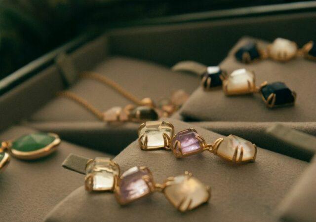 Η Insta τάση στα κοσμήματα που φοράνε όλες οι celebrities από το κοσμηματοπωλείο Μichas!