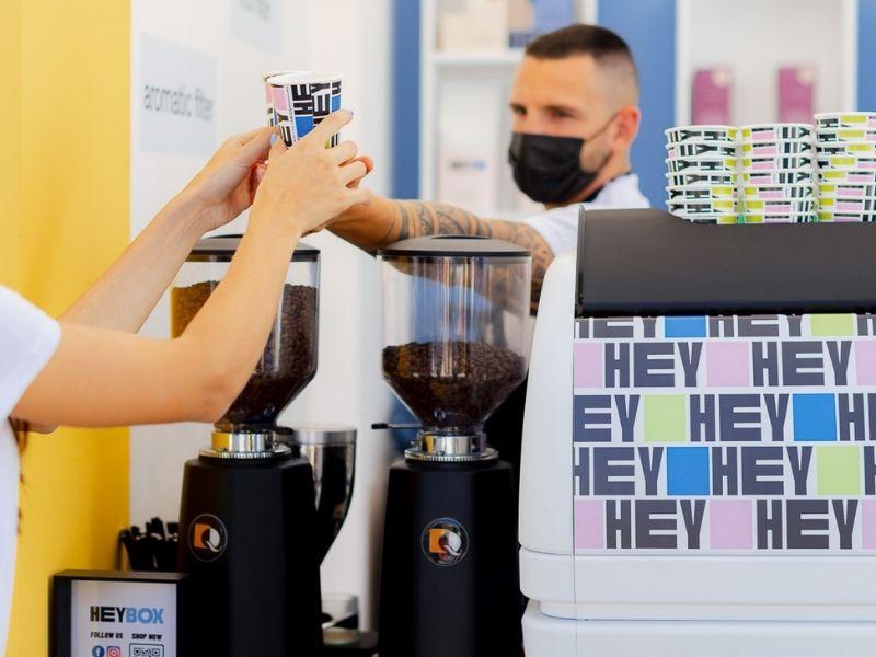 Το HeyBox ήταν στο Athens Coffee Festival 2021, κέρασε καφεδάκι τους coffee lovers και κάπως έτσι η πρώτη του παρουσία στέφθηκε με επιτυχία!
